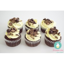 Lemon & choco ball crunch cupcake