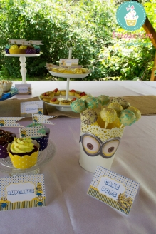 Eveniment Candy_bar_botez_minions brioserim.ro
